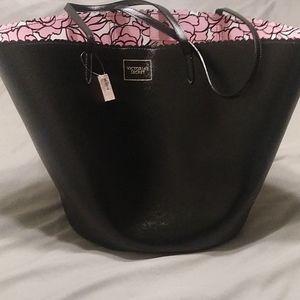 Victoria's Secret Bags - Victoria Secret NWT lrg tote bag